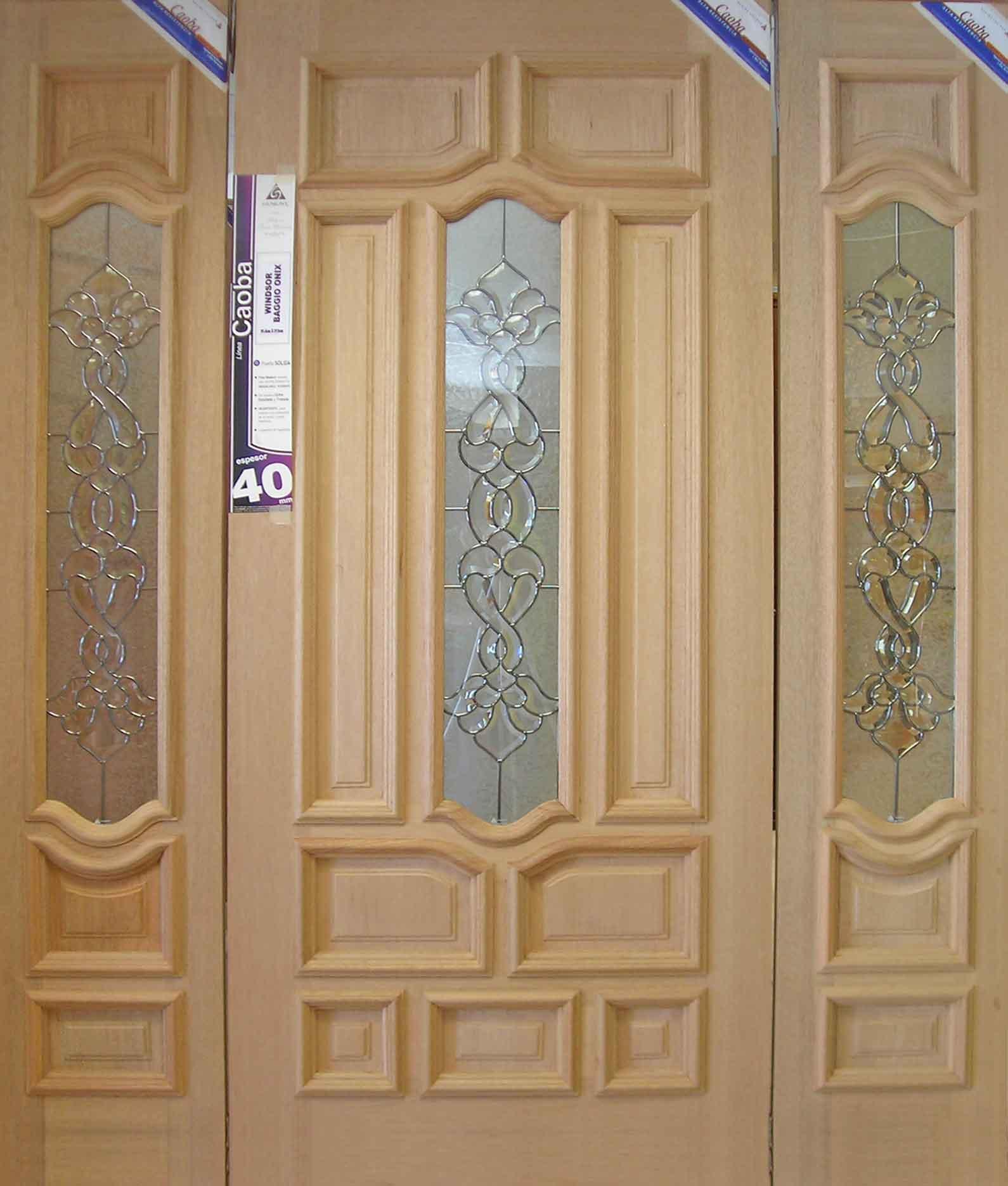Puerta modelo windsor puvesa puertas for Modelos de puertas principales